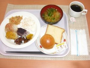 The accommodation on the ground floor serves a light breakfast in the Japanese style. It offers: a variety of onigiri, light salads, miso soup, sausage, biscuits, tea, coffee, juice.